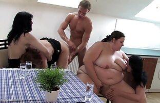 آنها از عکس های جدید سکسی متحرک سابرینا خواستند که جلوی دوربین لعنتی کند